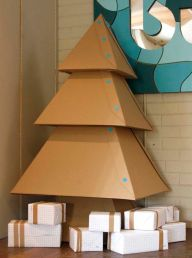 ©Decocrush.fr_makedo-able_DIY_christmas_tree_carton