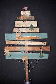 ©Decocrush.fr_organized-living-solutions_DIY_christmas_tree_wood