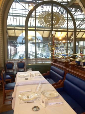 Dunpetitsuissealautre_Train bleu vue