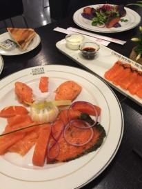 Dégustation de saumon, selon différentes recettes et préparations.