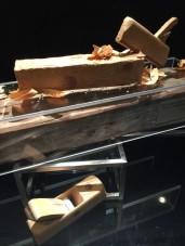 Charpente exotique, bois chocolaté, mangue et citronnelle, de Yohann Coiffard, Chef pâtissier de l'Hôtel Beau Rivage