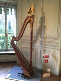 la Harpe de Joséphine de Beauharnais, 42000 briques et 140 heures de travail